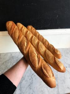 Boulangerie Aux Petites Mains PAIN Baguette Pain Ficelle