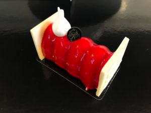 Boulangerie Aux Petites Mains Bûchette mousse Noël 2019 REDSTONE