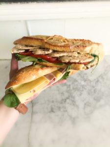 Boulangerie Aux Petites Mains Gamme de Sandwiches