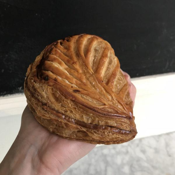 Boulangerie Aux Petites Mains viennoiserie CHAUSSON AUX POMMES