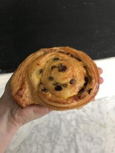 Boulangerie Aux Petites Mains viennoiserie PAIN AUX RAISINS