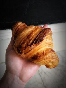 Boulangerie Aux Petites Mains viennoiserie CROISSANT
